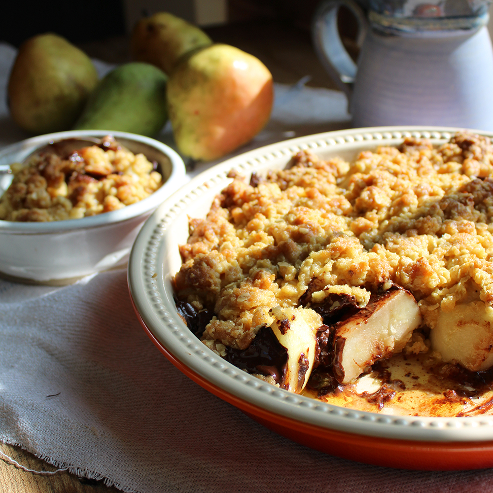 Pear and chocolate oaty crumble